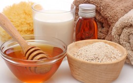Làm trắng da an toàn hiệu quả từ mật ong và cám gạo